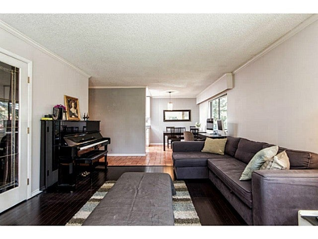 # 303 1515 CHESTERFIELD AV - Central Lonsdale Apartment/Condo for sale, 2 Bedrooms (V1129039) #1