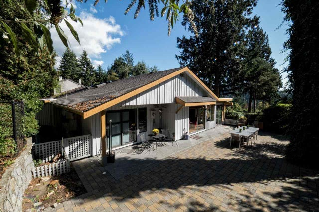 5843 FALCON ROAD - Eagleridge House/Single Family for sale, 3 Bedrooms (R2002048) #18