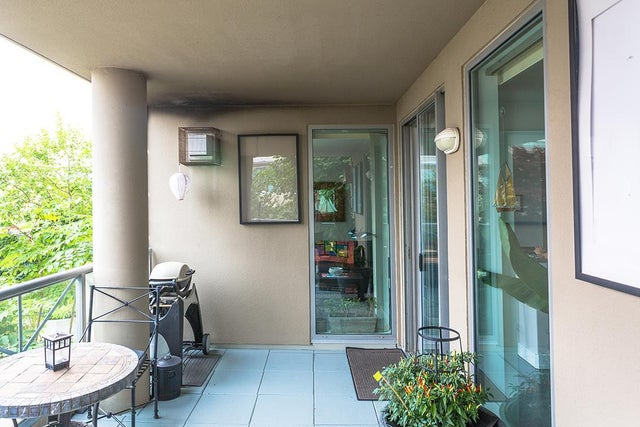 401 160 E 13 STREET - Central Lonsdale Apartment/Condo for sale, 2 Bedrooms (R2194983) #10