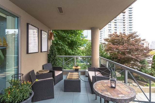 401 160 E 13 STREET - Central Lonsdale Apartment/Condo for sale, 2 Bedrooms (R2194983) #1