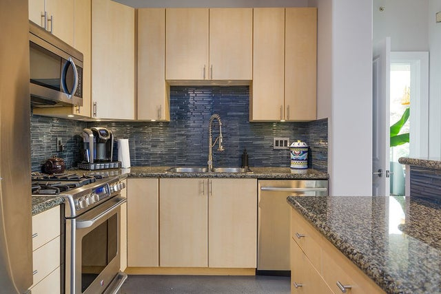 401 160 E 13 STREET - Central Lonsdale Apartment/Condo for sale, 2 Bedrooms (R2194983) #2