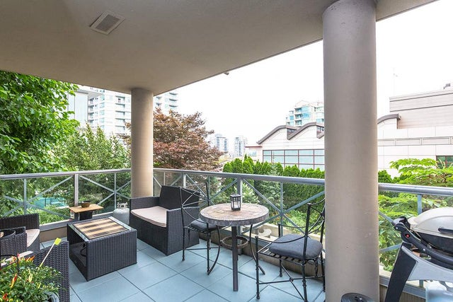 401 160 E 13 STREET - Central Lonsdale Apartment/Condo for sale, 2 Bedrooms (R2194983) #9